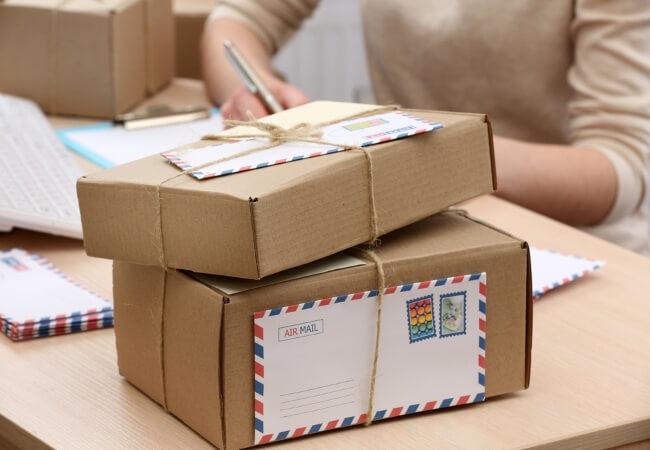 Подарочные картонные коробки