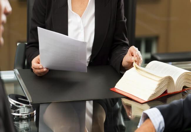 Юрист по семейному праву: услуги семейного адвоката