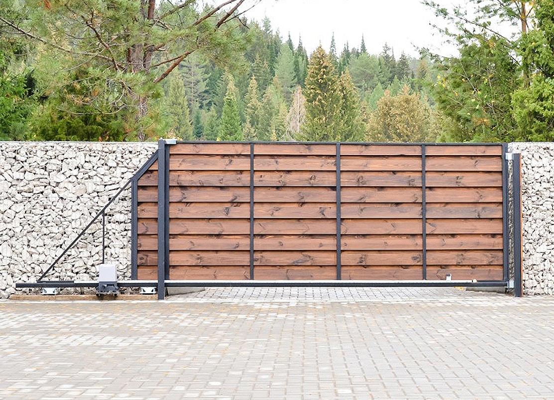 Въездные ворота с автоматикой  — очень важная часть оформления экстерьера помещения